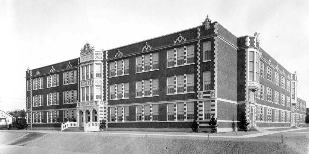 Seattle Public Schools 1862 2000 Garfield High School Historylink Org