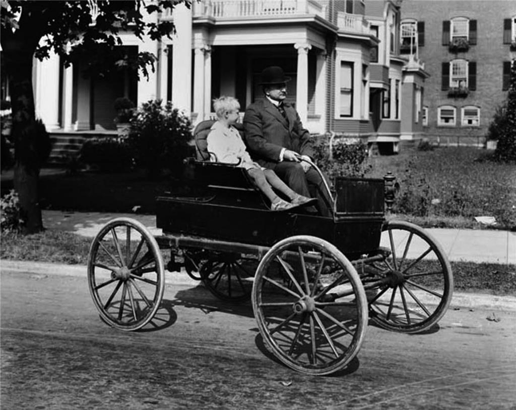 First automobile arrives in Seattle on July 23, 1900. - HistoryLink.org