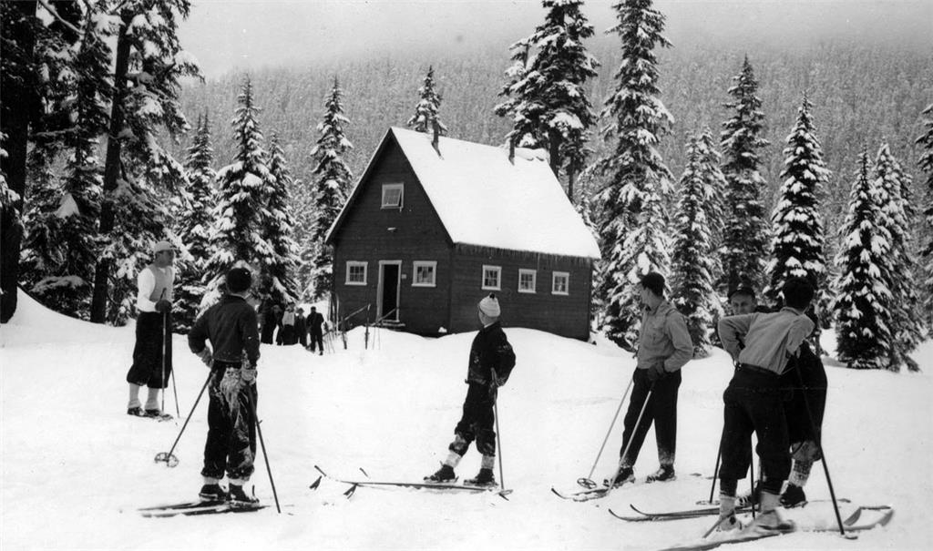 Seattle's Municipal Ski Park at Snoqualmie Summit (1934-1940